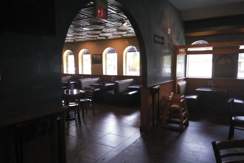 Zaharias St. Augustine Booths in Middle Dining Section